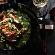 Asiatische Hühnersuppe mit wildem Spargel