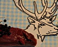 Hirschfilet an Dinkel-Haselnuss-Spätzle und Ackersalat