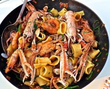 Outdoor-Pasta mit Meeresfrüchten